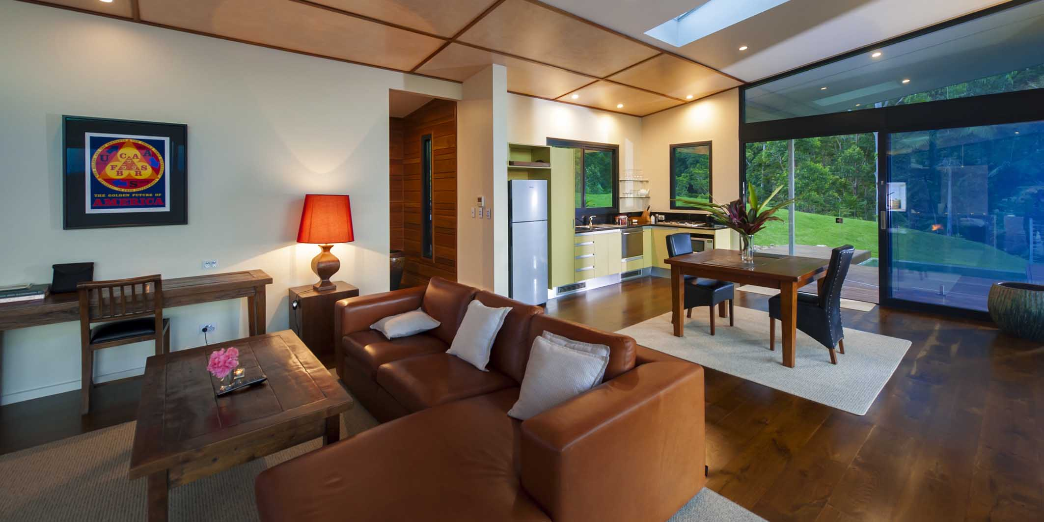 Luxury Mountain View Lodges have an architect-designed open plan with floor to ceiling rainforest views from everywhere