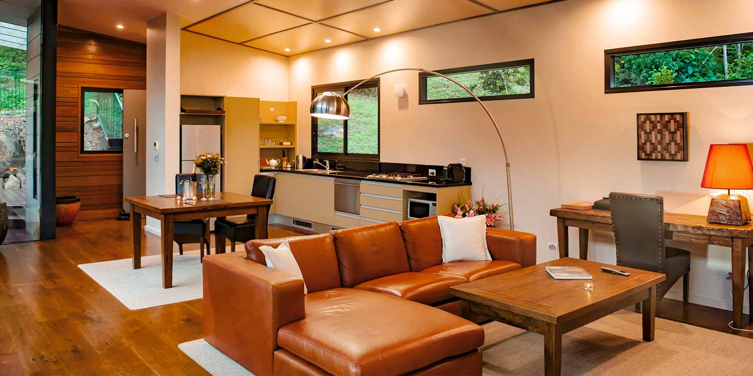 The fully equipped kitchens in the Luxury Mountain View Lodges allow self catering for honeymooning couples or just as a completely relaxing escape